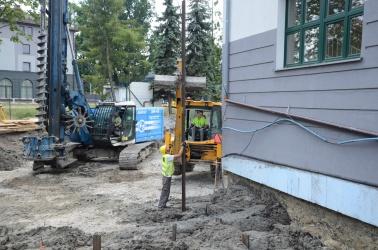 Trwa budowa nowej sali sportowej przy SP1