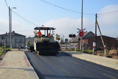 Asfaltowanie ulicy Łysinowej i dróg bocznych