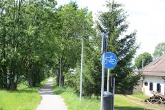 Instalacja oświetlenia ścieżki rowerowej w systemie nadążnym wreszcie na finiszu