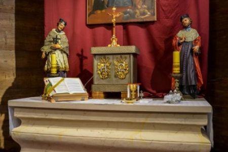Zakończono prace przy mensie ołtarzowej w Sanktuarium św. Walentego