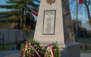 pomnik powstanców